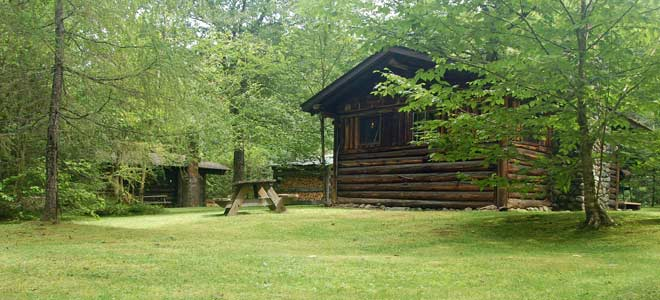 Rustic log cabins franconia notch regional chamber of for New hampshire log cabins